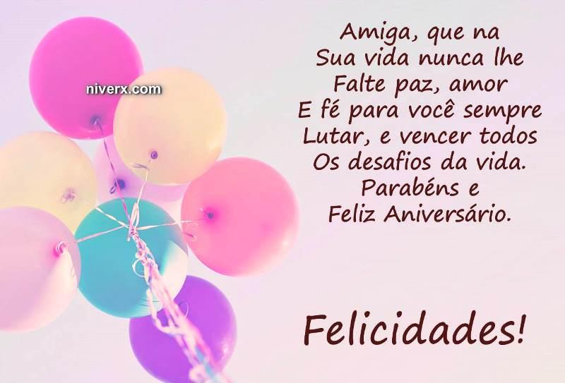 Feliz Aniversário Amiga do Facebook balões